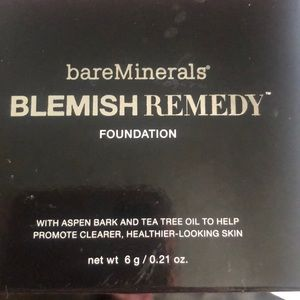NWT Bare Minerals Blemish Remedy Foundation